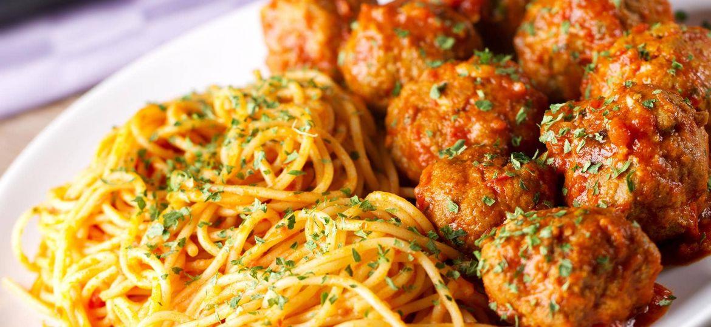 Almondegas-com-Esparguete